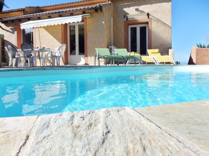Nice apt with swimming-pool & Wifi, holiday rental in Barbaggio