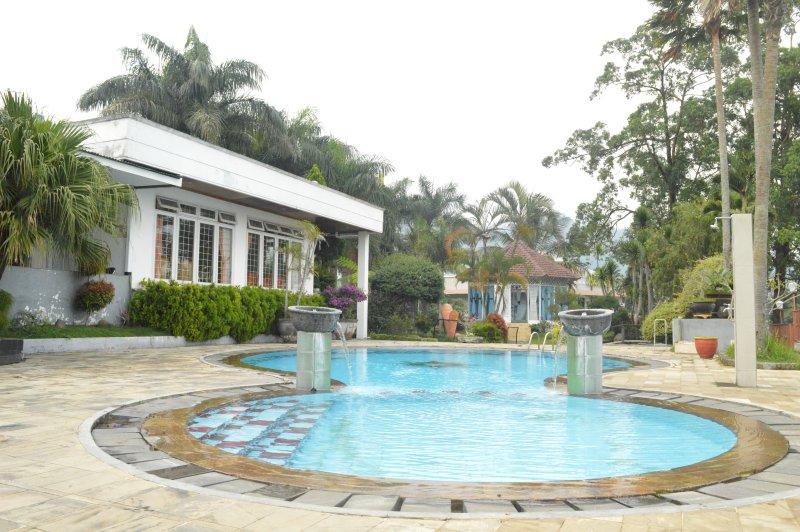 President Villa View Pegunungan Batu Malang Has Dvd Player And Balcony Updated 2020 Tripadvisor Batu Vacation Rental