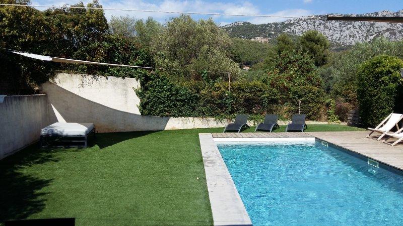 Villa Papyrus Toulon. Maison avec piscine Toulon La Valette Hyeres Porquerolles, aluguéis de temporada em Toulon