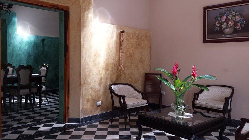 CASA VICENTA, A MAGICAL HOUSE FOR 6 PAX, location de vacances à Izamal