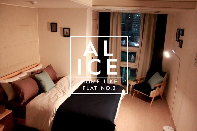 Alice & Warren's Flat #2 at MYEONG-DONG, SEOUL, holiday rental in South Korea
