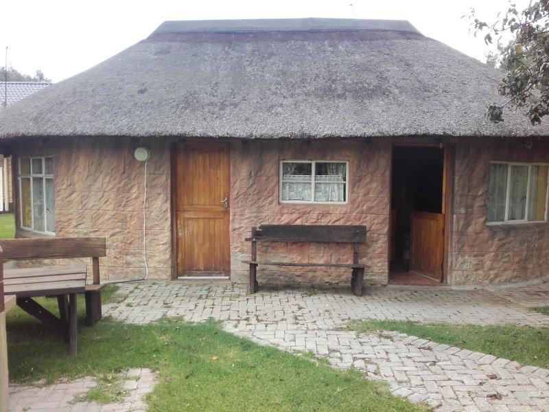 Weltevrede lionfarm/Swembadhuis, location de vacances à Free State