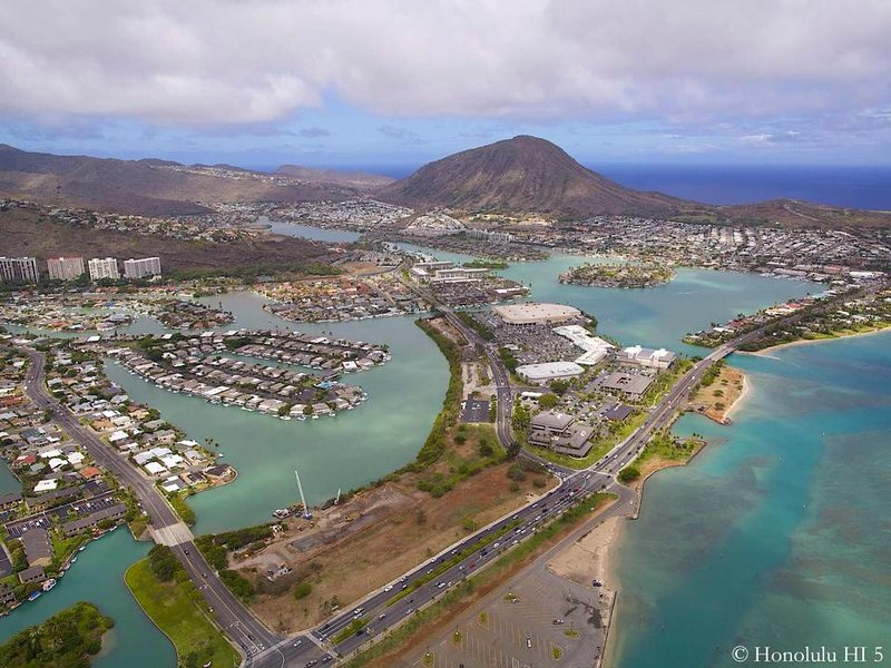 HAWAII KAI GOLD COAST ON THE EAST SIDE OF HONOLULU