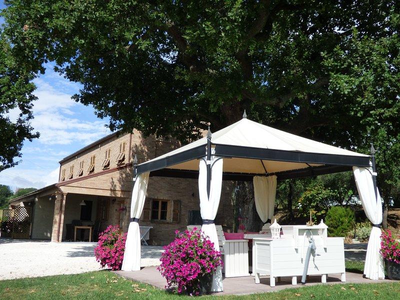 Sotto la quercia - appartement il sorriso, holiday rental in Monte Porzio