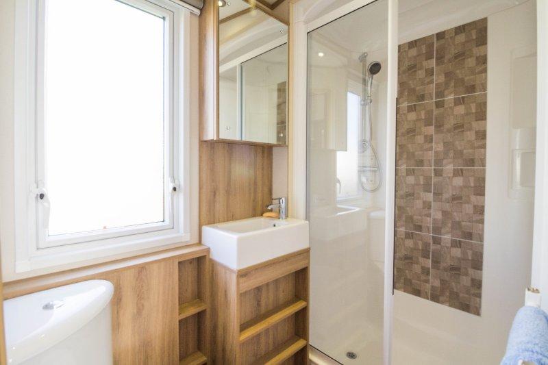 ruime badkamer in Suffolk