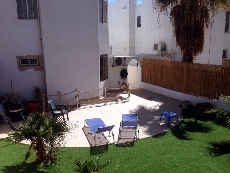 Tienda en el jardín patio - 2 vista