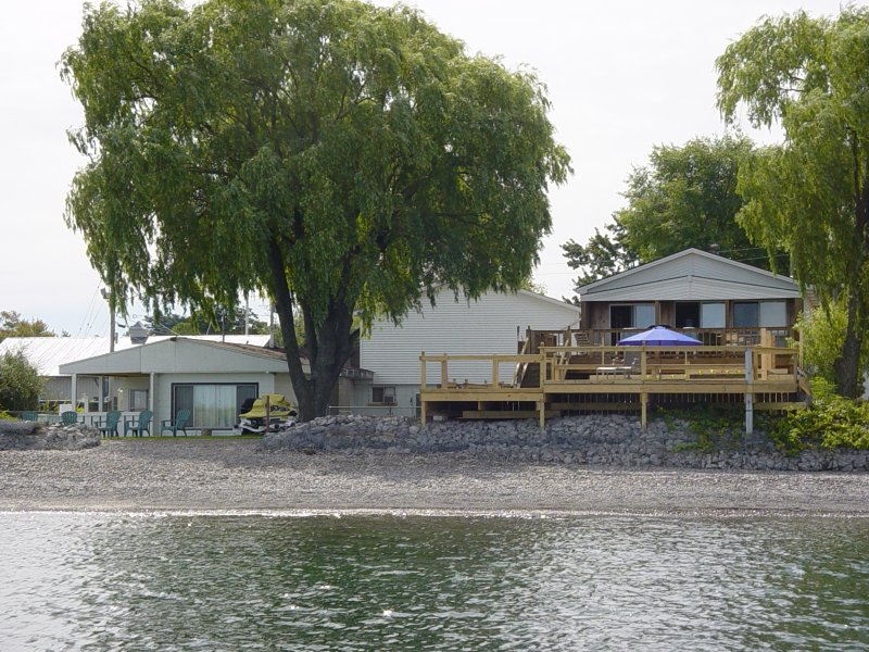 Beachfront Vacation Cottages - Beach House cottage, vacation rental in Lockport