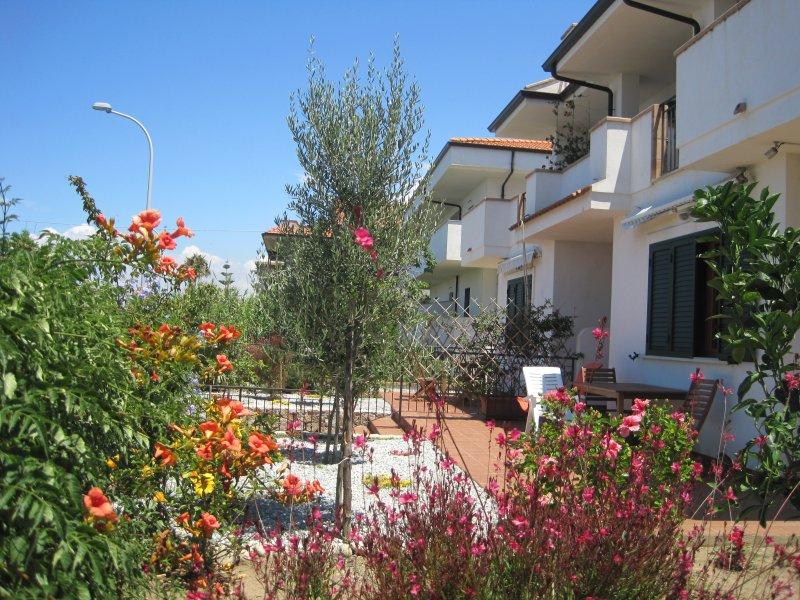 Casa Margherita 1, sea view,  Parghelia, Tropea, Ferienwohnung in Tropea
