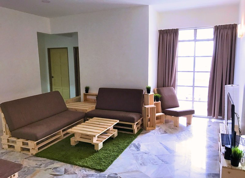 Cozy Homestay Short Driving Distance to Subang Airport/Help University, holiday rental in Rawang