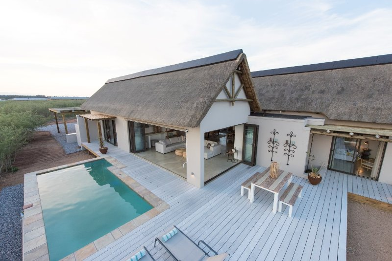 Luxury villa with private pool & surrounded by harmless wildlife, holiday rental in Hoedspruit