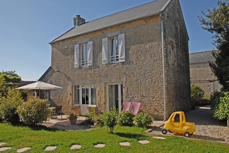 * Die Farm Longues_2 * - Exterior Haus mit Terrasse