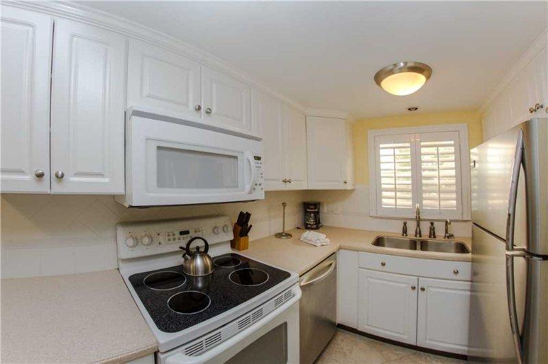 Indoors,Kitchen,Room,Oven,Bathroom