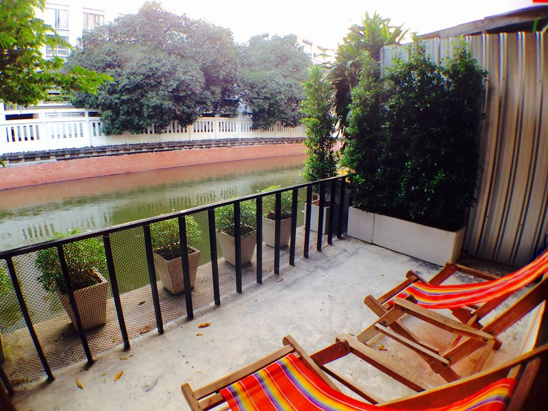 VIMAN GUESTHOUSE : CANAL VIEW, Ferienwohnung in Bangkok