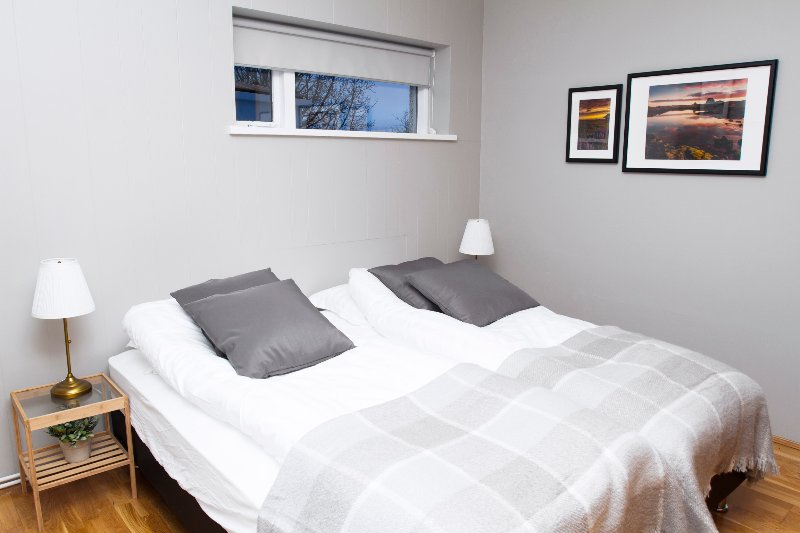 Bright and spacious 3 bdr apartment in Akureyri center, holiday rental in Grenivik