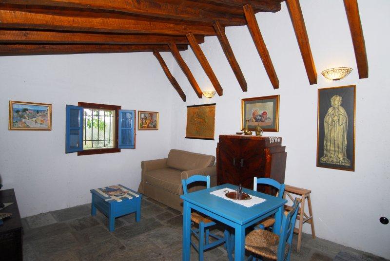 Le Vieux coin salon avec canapé-lit double Stable