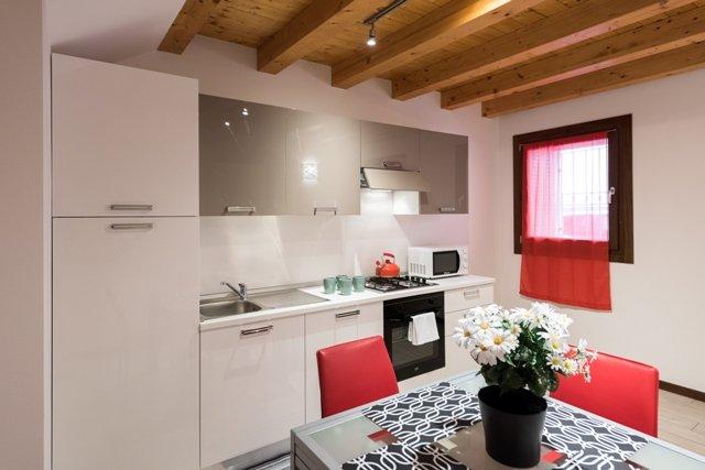 Dimora San Zeno 4 - 5 posti letto, holiday rental in San Massimo