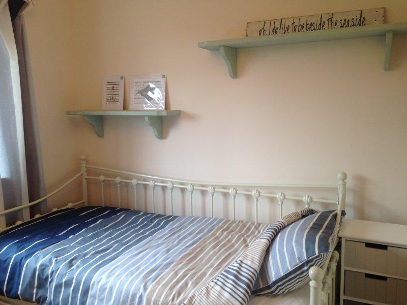 Ein kleiner Raum würde beherbergt ideal ein oder zwei Kinder auf dem Tagesbett mit ausziehbarem 2.em Bett