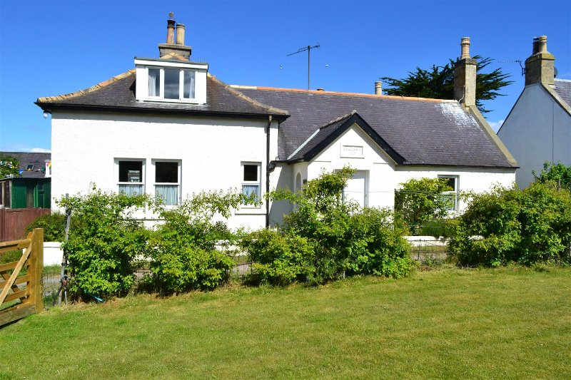 Braemoray - Newly refurbished 4 bedroom house, casa vacanza a Forres