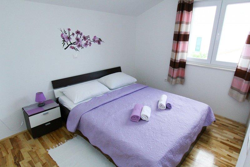 A2(2+2): bedroom