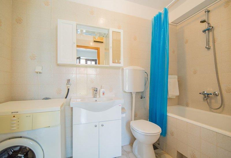 Vesna (4 + 1): banheiro com vaso sanitário