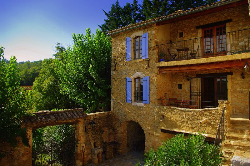 L'Ancien Monastère, a former 16th c. monastery; simply magical!, holiday rental in Saint-Andre-d'Olerargues