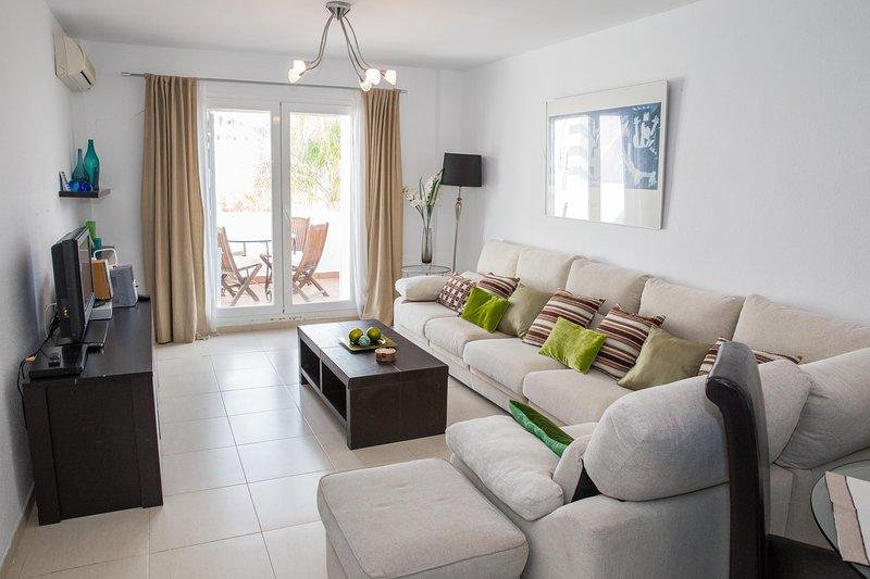 Luxury 2 Bedroom Apartment, holiday rental in Mojacar Playa