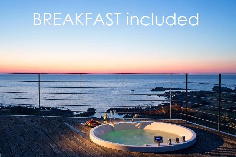 Villa Ostria 5-Stars Luxury Retreat by the Sea – semesterbostad i Amigdhalokefali