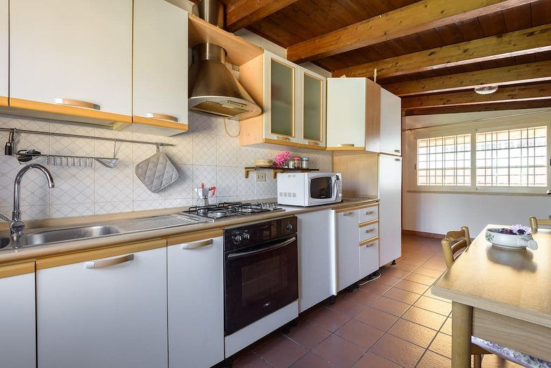 small apartment in  rome north, holiday rental in Isola Farnese