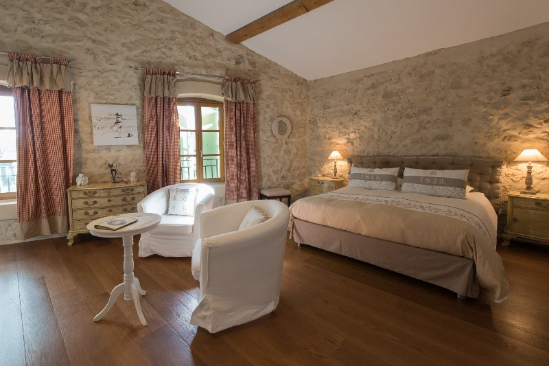 Suite Romance, holiday rental in Ouveillan