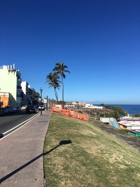 Uma caminhada até El Morro é de 10 minutos. Você também pode tomar o bonde.
