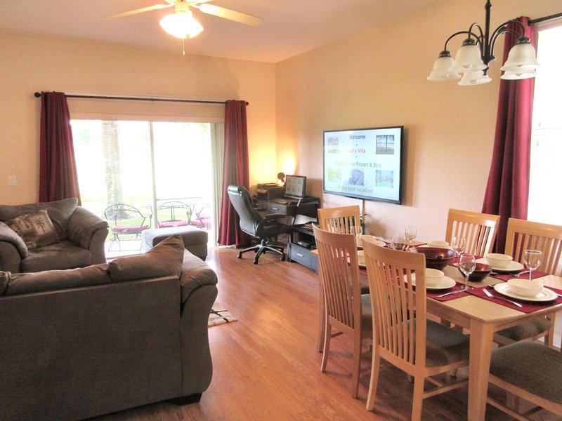 New fácil de manter piso laminado de madeira e sofá, loveseat, cadeira e tapetes