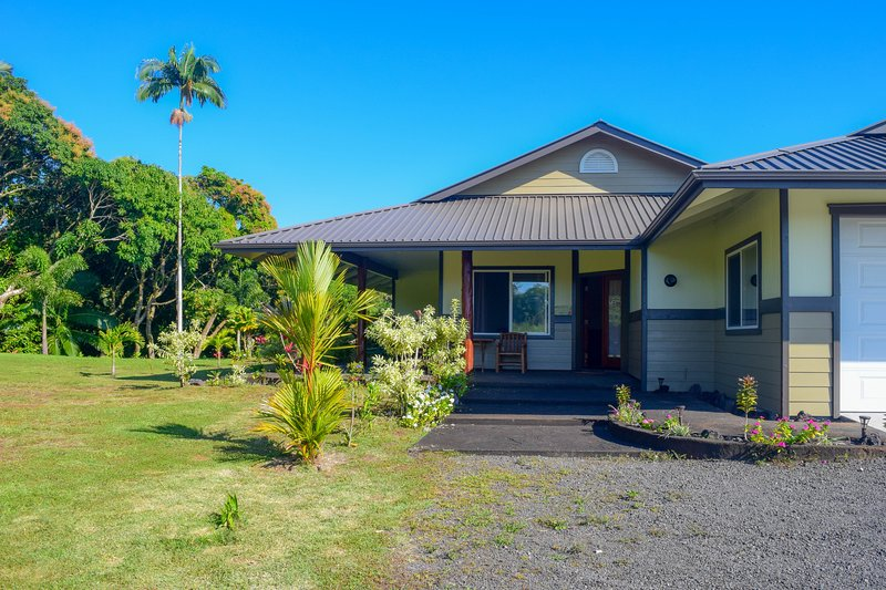 Kahawai Hale is an oceanview home on 3 private acres.