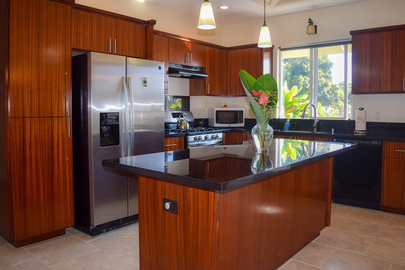 Kahawai Hale is a beautiful, brand new ocean view home. The kitchen is a joy to cook in!