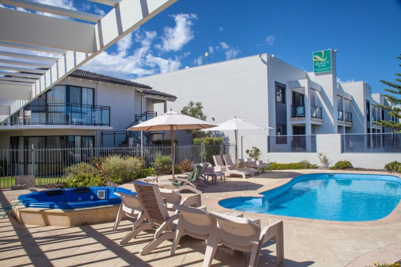 2 Bedroom Apartment at Quality Sorrento, holiday rental in Joondalup