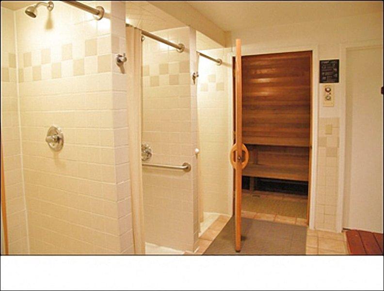 Locker rooms with saunas, showers