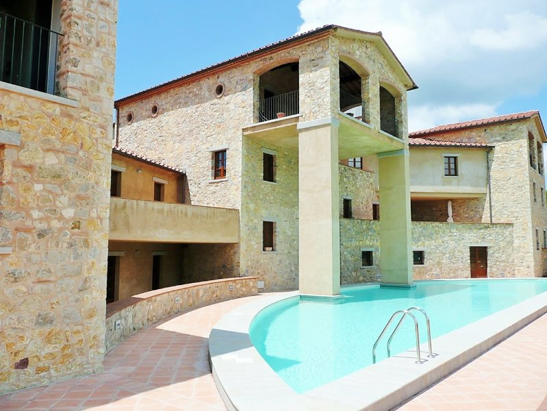 The main swimming pool at Borgo di Gaiole
