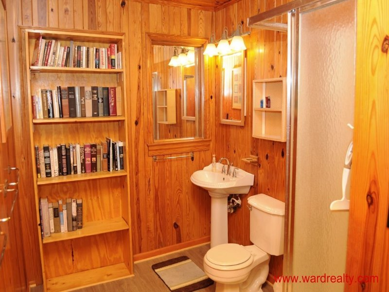 Middle Bathroom with Shower