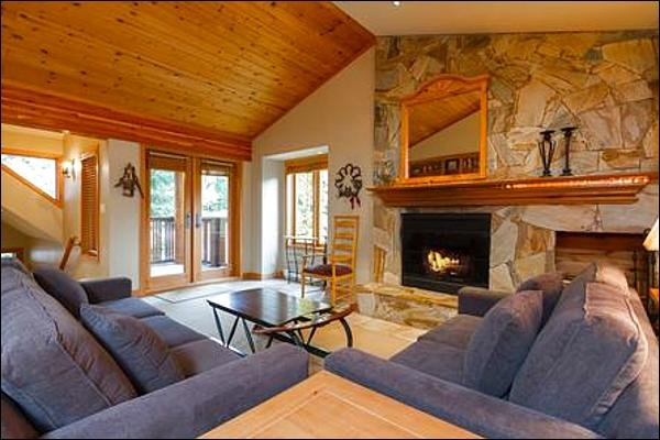 Private Hot Tub / 214963 Chalet in Whistler