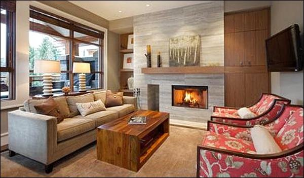 Sophisticated and Luxurious Townhome / 215032 Chalet in Whistler