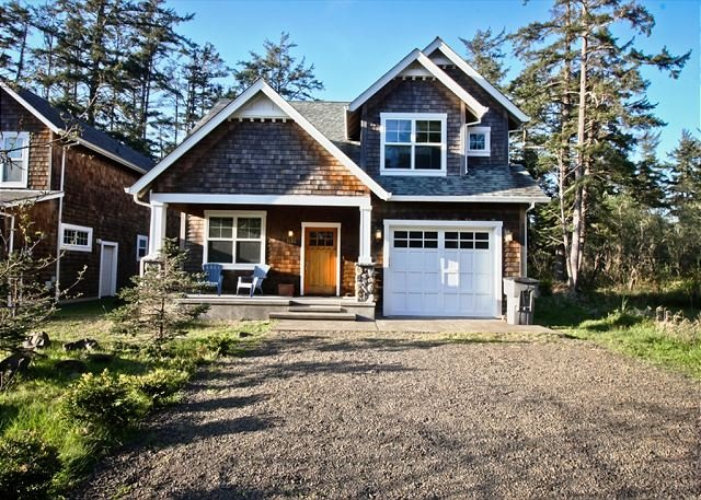 SANDPIPER~This gorgeous home will become your family's favorite vacation spot, vacation rental in Manzanita