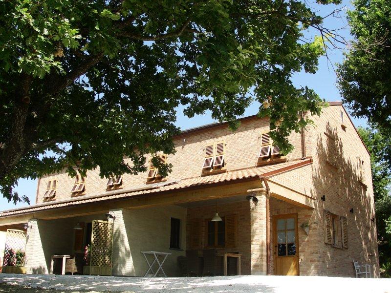 sotto la quercia - appartement il sogno, alquiler vacacional en Morro d'Alba