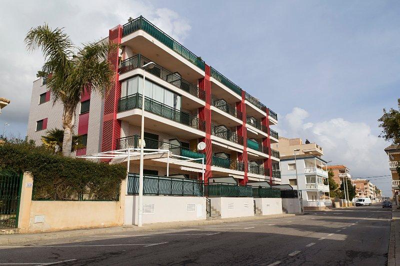 Fantastic apartment in El Grao de Moncofar, vacation rental in Almenara