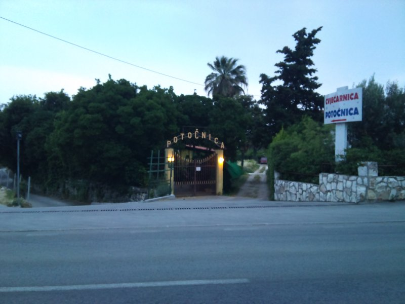 APARTMENT POTOCNICA, vacation rental in Kastel Stafilic