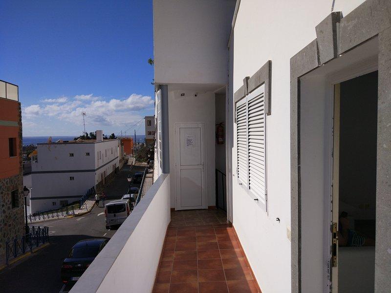 Beautiful apt with sea view & Wifi, holiday rental in Playa de Mogan