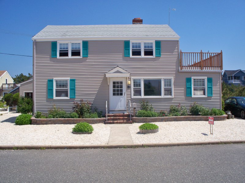 19 East Wyoming Avenue, Haven Beach (Long Beach Township), NJ  08008