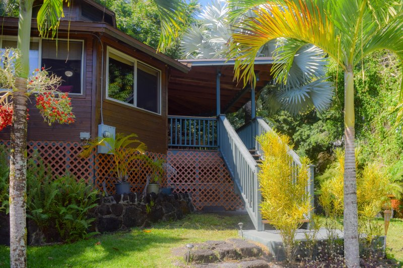 Zen Lite is a beautifully crafted studio home in the Kehena area of Hawaii's Big Island.