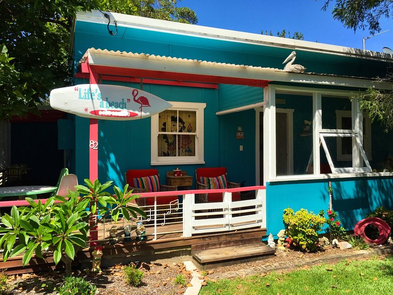 Traditional weekender with all the mod-cons. Close to beachfront. Dog Friendly