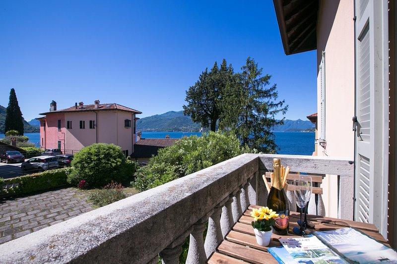 Varenna Apartment Sleeps 4 with WiFi - 5841434, holiday rental in Vezio