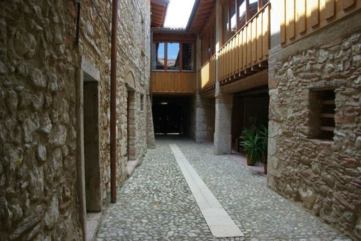 Cervano: country house, totally rebuilt, for 27 person, holiday rental in Toscolano-Maderno