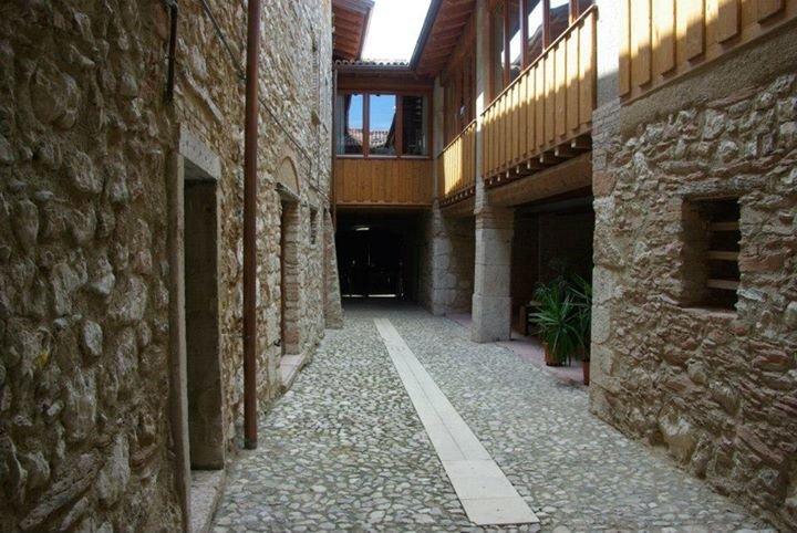 Cervano: country house, totally rebuilt, for 27 person, casa vacanza a San Giorgio